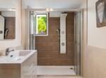 29-Seperate-Apt-Bathroom